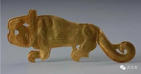 古墓中金灿灿的黄金和美玉